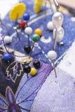 Image conceptuelle des aiguilles collant dans un coussin photographie stock libre de droits