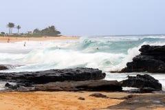 Image courante de baie de Maunalua, Oahu, Hawaï images libres de droits