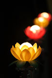 Image courante des bougies avec un fond mou Photos stock