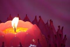 Image courante des bougies avec un fond mou Image libre de droits