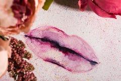 Image créative d'aquarelle de lèvres Fermez-vous vers le haut de la macro pousse Copyspace pour l'art et la conception Photo stock