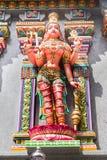 Image découpée sur la tour de gopura du Sri Maha Mariamman Temple, un temple tamoul de hindi situé dans la route de Silom, Bangko images libres de droits