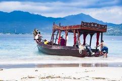 Image d'éditorial de Documentaru Bateau en bois traditionnel chez Bali Photos libres de droits