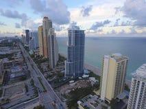 Image d'antenne de Sunny Isles Beach FL Photos stock