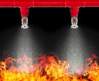 Image d'arroseuse en suspens du feu sur le fond blanc avec le cliipi image libre de droits