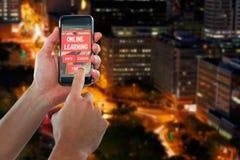 Image 3d composée de main cultivée utilisant le téléphone portable Images stock