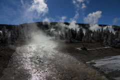 Image d'hiver en parc national de Yellowstone Photographie stock libre de droits