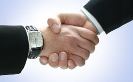 Image d'une prise de contact entre deux hommes d'affaires Image stock