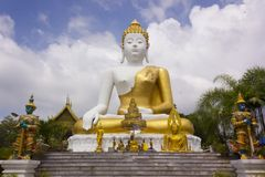 Image de Bouddha chez Wat Pha That Doi Khum, Chiang Mai Thailand photo libre de droits