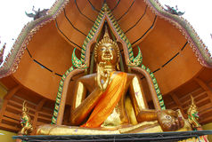 image de Bouddha d'or en Thaïlande images stock