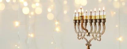 image de fond juif de Hanoucca de vacances avec le menorah et le x28 ; candelabra& traditionnel x29 ; Photos libres de droits