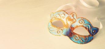 Image de fond vénitien élégant bleu sensible de blanc de masque Photo libre de droits