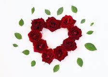 Image de forme de coeur faite à partir des roses rouges Photographie stock libre de droits