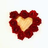 Image de forme de coeur faite à partir des roses rouges Image libre de droits