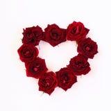 Image de forme de coeur faite à partir des roses rouges Image stock