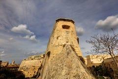 Image de HDR de la tour historique des fortifications de la défense de La Valette et la citadelle de La Valette (forteresse) et u Photo stock