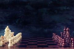 Image de jeu de société d'échecs Affaires, concurrence, stratégie, direction et concept de succès Images libres de droits