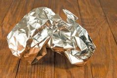 Image de plan rapproché chiffonné d'aluminium photographie stock libre de droits