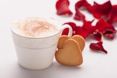Image de plan rapproché de beau biscuit de forme de coeur Images libres de droits
