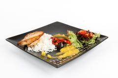 Image de poulet cuit au four savoureux avec des légumes Image libre de droits