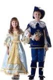 Image des enfants heureux posant dans des costumes de carnaval photographie stock