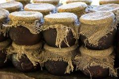 Image des pots de miel, lumière naturelle Photo stock