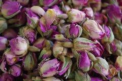 Image des roseheads secs pour l'industrie cosmétique et particulièrement pour la parfumerie, image stock