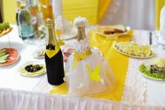 Image des tables plaçant à un amour de luxe de hall de mariage Image libre de droits