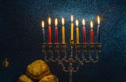 Image des vacances juives de Hanoucca avec un menorah photos libres de droits
