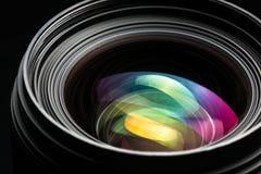 Image discrète de DSLR de llense moderne professionnel d'appareil-photo Photographie stock libre de droits