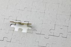 Image du morceau de puzzle, dernier morceau de puzzle Images stock