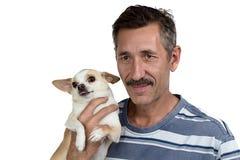 Image du vieil homme et de son petit chien Photographie stock