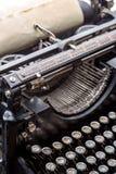 Image grunge de plan rapproché de machine à écrire de vintage Photos stock