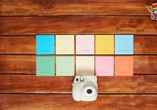 Image horizontale avec des cadres d'appareil-photo instantané Photo stock