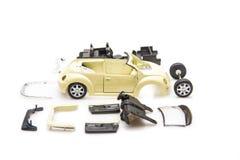 Image lumineuse des pièces de voiture de jouet d'isolement Image libre de droits