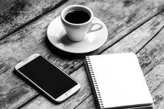 Image noire et blanche d'espace de travail d'indépendant Photos libres de droits