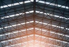Image noire et blanche de cadre de toit de structure métallique photos libres de droits