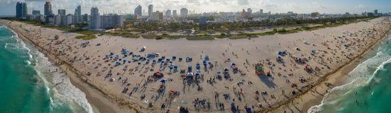 Image panoramique aérienne de week-end de Miami Beach Memorial Day Image stock