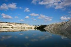 Image retournée dans le lac Image libre de droits