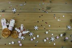 Image romantique de nourriture et de boissons de photographie de saison d'hiver avec la tasse de chocolat chaud et les mini guima Images stock