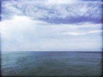 Image sale de mer et de nuages orageux photo libre de droits