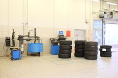 image of tyre fitting machine Royalty Free Stock Photography