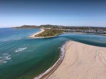 Imagem aérea da barra de Noosa fotos de stock royalty free