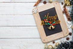 Imagem aérea da opinião de tampo da mesa dos artigos ano novo feliz & de fundo do Feliz Natal conceito Fotos de Stock Royalty Free