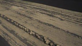 Imagem aérea dos monte de feno no campo imagens de stock royalty free