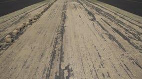 Imagem aérea dos monte de feno no campo foto de stock