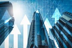 A imagem abstrata da imagem do arranha-céus overlay com imagem da carta de negócio imagens de stock