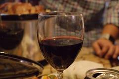 Imagem abstrata de um vidro do vinho fotografia de stock royalty free