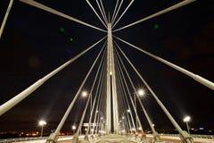 Imagem abstrata - luzes da noite da ponte de suspensão fotografia de stock royalty free