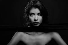 Imagem bonita de uma mulher do Latino imagem de stock